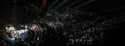 Народу на концерте было много, видимо Бон Джови даже в Канаде популярен! :)